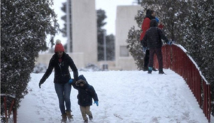 Millions endure record cold without power in USA; at least 20 dead