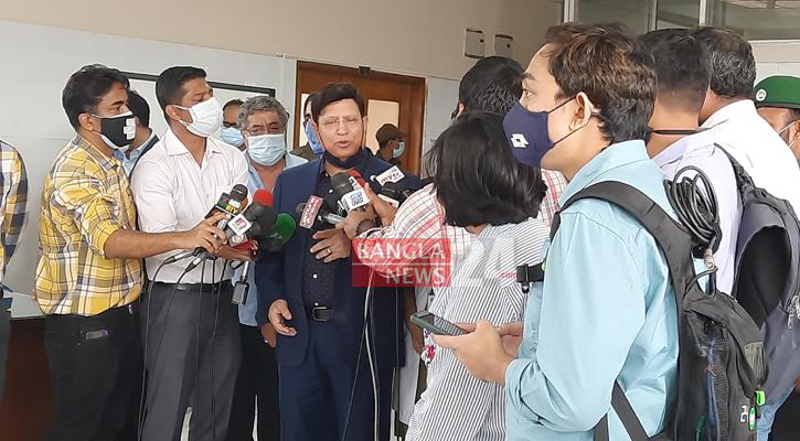 FM, diplomats take Covid-19 vaccine