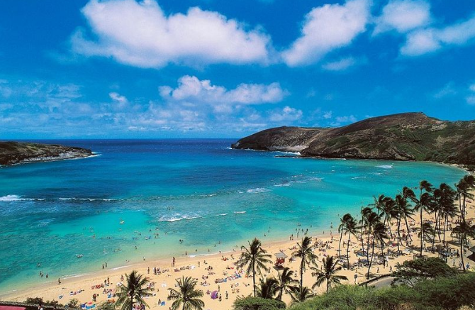 Hawaii looks to welcome vaccinated tourists quarantine-free in 2021