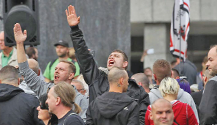 Polish institute employee resigns over Nazi salutes