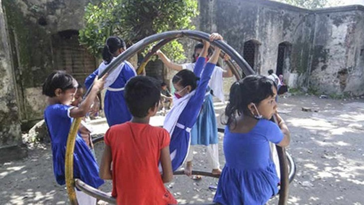 60.5 percent people in favour of reopening schools: Survey