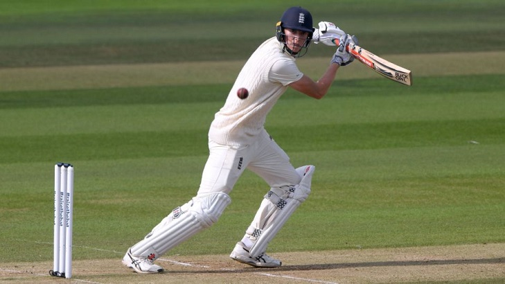 England bat first in India Test after making four changes