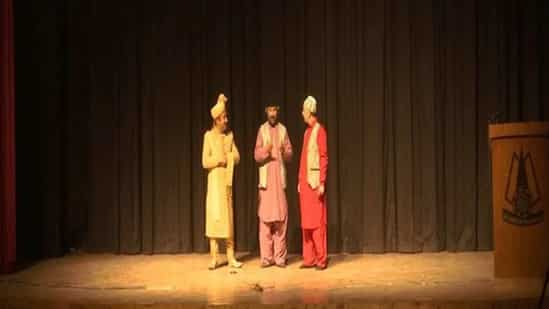 Plays resume in Kashmir Valley, offer relief to actors, theatre lovers