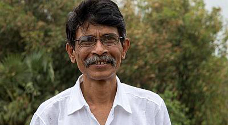 Probe body formed over writer Mushtaq's death