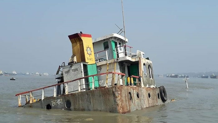 Coal-laden vessel sinks in Pashur Channel, 13 rescued