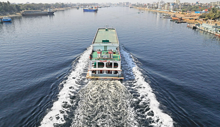 The water of the river Buriganga turns pitch-black due to indiscriminate dumping