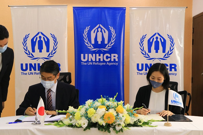 Japan, UNHCR support improvement of clean water in Teknaf