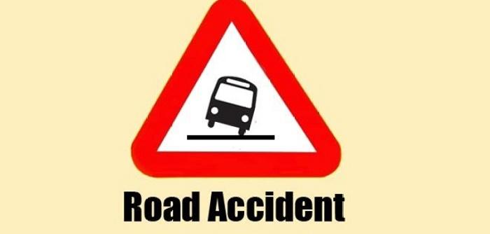 2 killed as truck hits auto-rickshaw in city