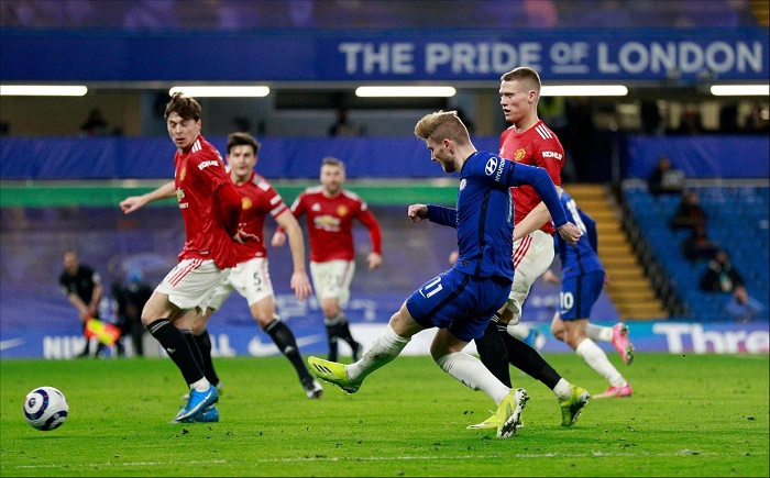 Man Utd draw blank again at Chelsea to fall further behind Man City