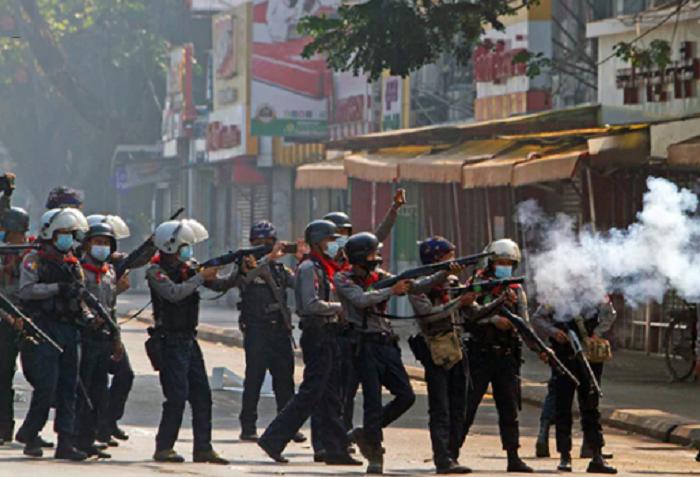 Myanmar military must stop murdering and jailing protestors : Bachelet