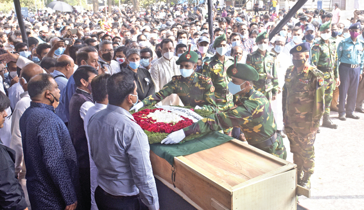 People from all walks of life pay homage to HT Imam