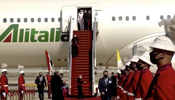 Pope lands in Iraq amid virus and security risks