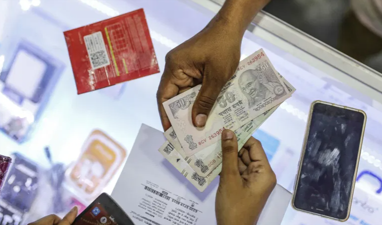 US Big Tech firms jostle for India's huge digital payments market
