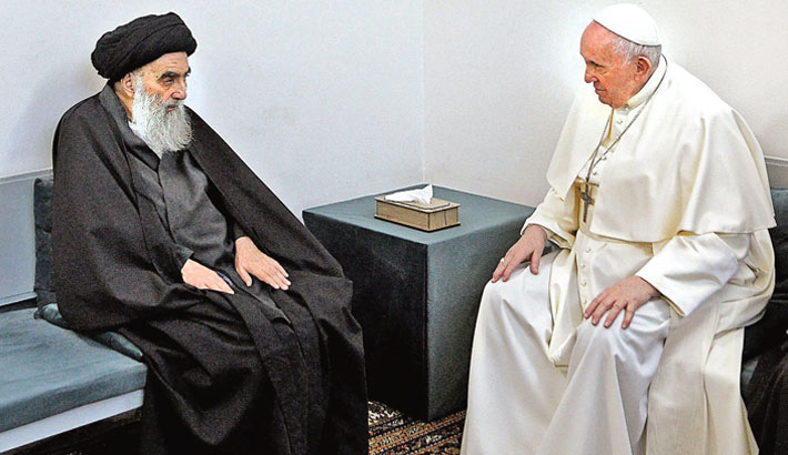 Pope denounces extremism on historic Iraq visit