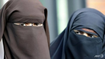 Swiss vote on 'burqa ban'
