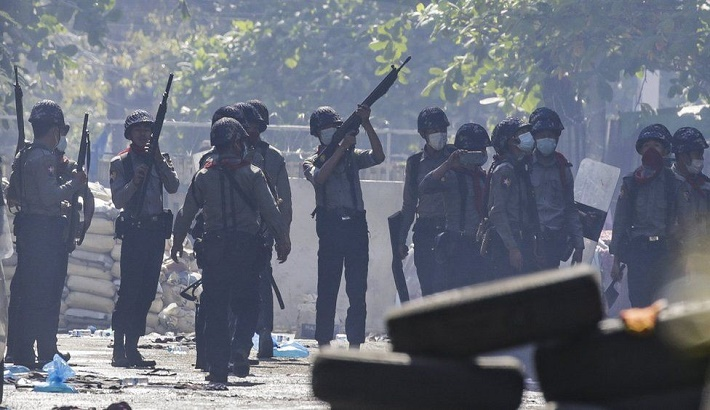 Myanmar coup: Protesters freed after being 'trapped' overnight