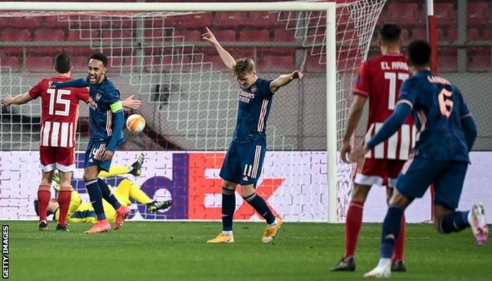 Odegaard stunner helps Arsenal to commanding lead over Olympiakos