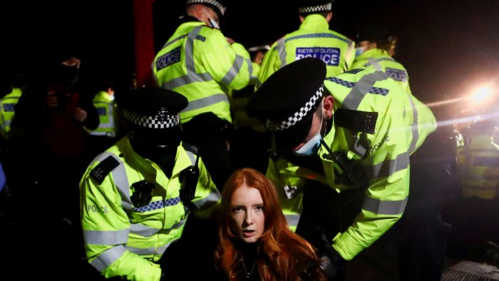 UK police under fire after crackdown on vigil for murdered woman