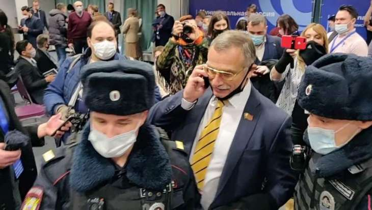 Russian police detain dozens of opposition deputies at forum