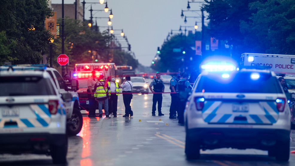 2 killed, 15 people shot in Chicago mass shooting
