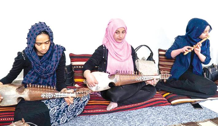 Afghanistan reverses ban on girls singing in public