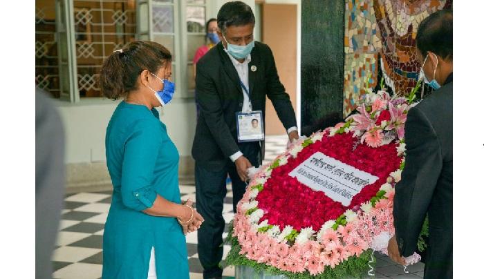First Lady of Maldives pays homage to Bangabandhu
