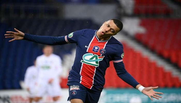 PSG punish Lille errors to win cup showdown