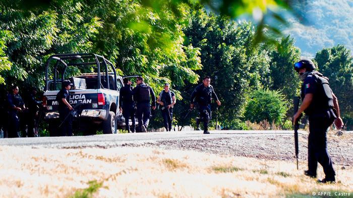 Gunmen kill 13 police in ambush in central Mexico