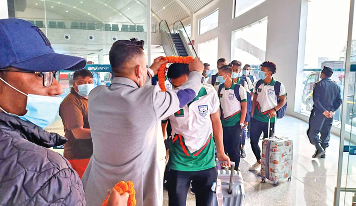 Footballers in Nepal for tri-nation tourney