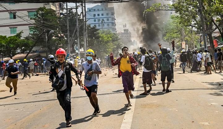 BBC journalist 'missing' as junta crackdown triggers Yangon exodus