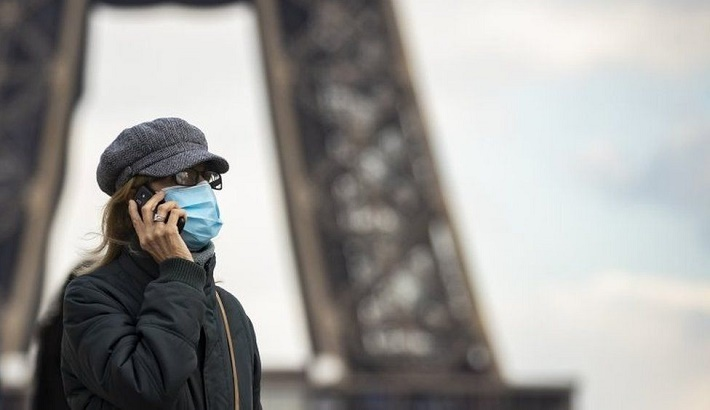 Covid: Paris lockdown as France fears 'third wave'