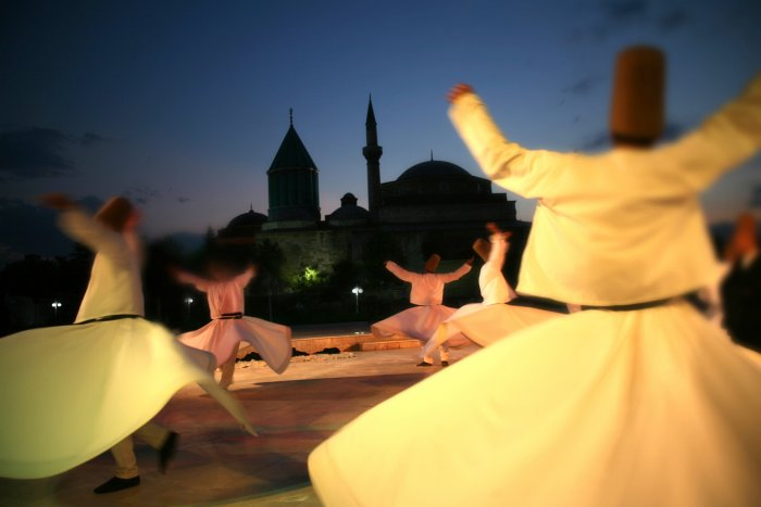 JKYDF to strive for revival of Sufism, tolerance in Kashmir