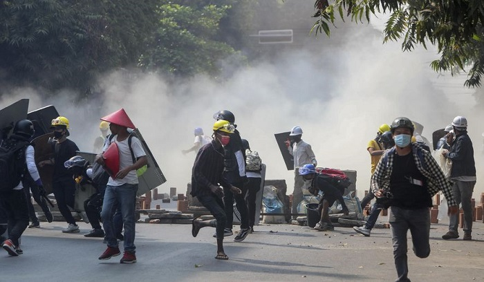 Myanmar security forces shoot dead 8 protesters