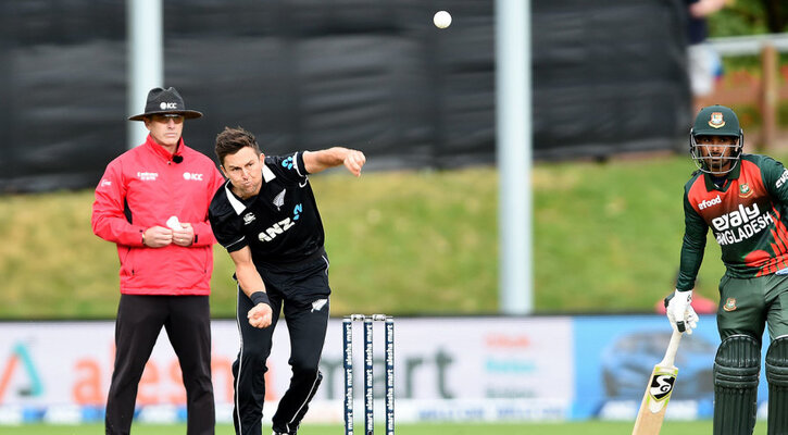 Boult bags four in Dunedin as Bangladesh fold for 131 in first ODI