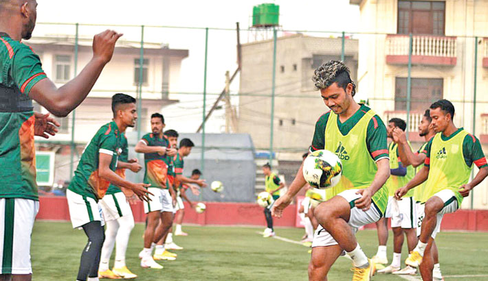 Bangladesh start training as goalkeeping coach joins team