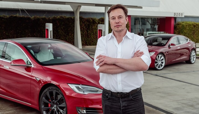 Elon Musk says Tesla would be shut down if its cars spied in China