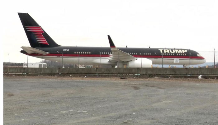 Trump's gold-plated 757 is idle