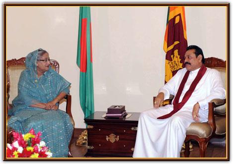 Sheikh Hasina, Mahinda Rajapaksa hold bilateral talks