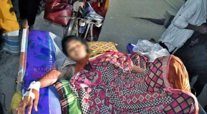 Woman set on fire by husband, mother-in-law over dowry in Gaibandha
