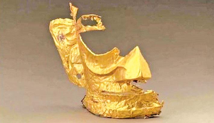 3,000-year-old gold mask sparks online memes