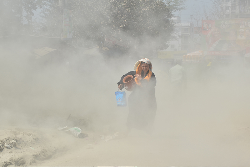 Dhaka's air quality continues to be 'unhealthy'