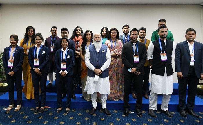 Bangladeshi young achievers call on Modi