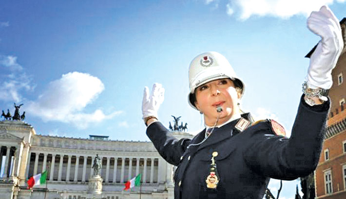 Iconic Roman square gets first female traffic cop