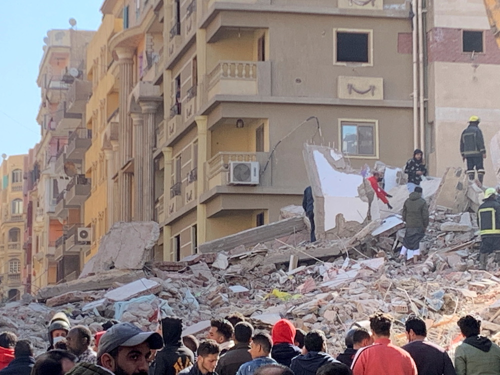 Death toll from Egypt building collapse climbs to 18
