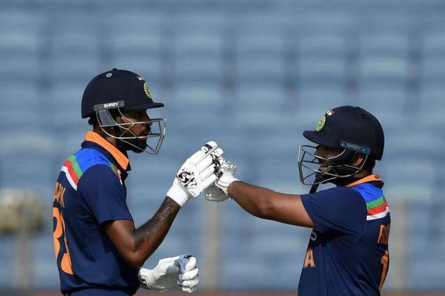 India edge England in ODI decider despite Curran heroics