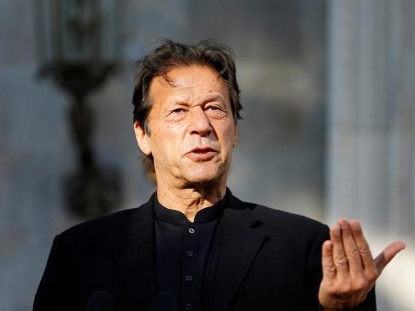 Avoid giving speeches, arrange more doses of vaccines: PML-Q's Pervez Elahi advises Pak PM