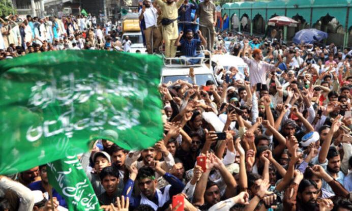 Pak Govt succumbs to Tehrik-e-Labbaik Pakistan again