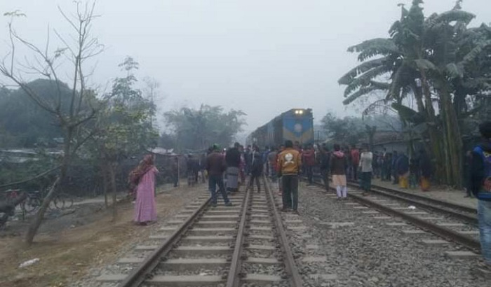 Man killed as train hits motorcycle in Jashore