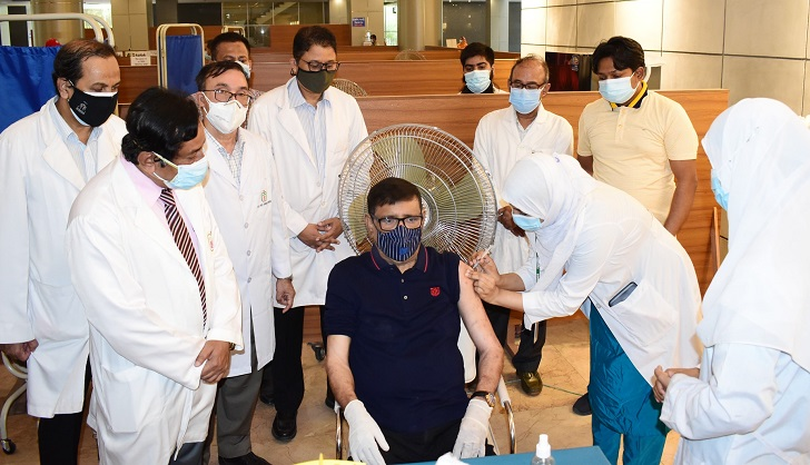 Obaidul Quader receives Covid-19 vaccine