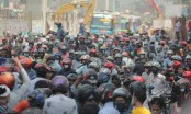 Bikers block Shahbagh, Dhanmondi roads protesting ban on ride-sharing